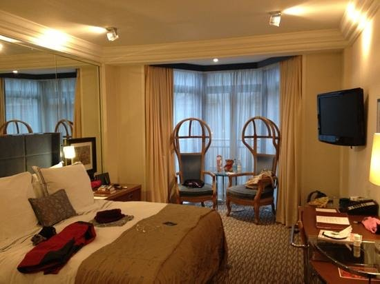 The Athenaeum Hotel & Residences: Deluxe Room (307)