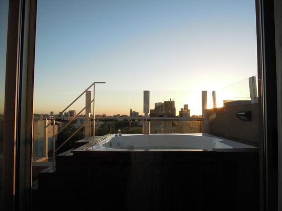 Fierro Hotel Buenos Aires : Our Jacuzzi at sunset