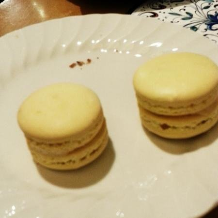 L'Aroma Cafe: Macarons