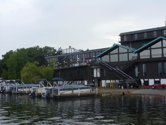 Cragun's Resort on Gull Lake : Main Lodge/Marina