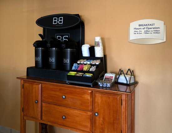 Fairfield Inn Pensacola I-10: Beverage Center