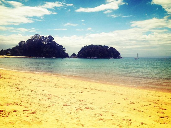 Avalon Manor Motel: A short drive from motel is Kaiteriteri Bay - visit this.