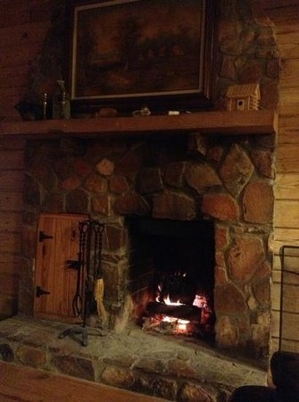 Mountain Top Inn: the fireplace got a lot of action