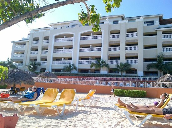 Iberostar Rose Hall Beach Hotel: Looking at our room from the beach