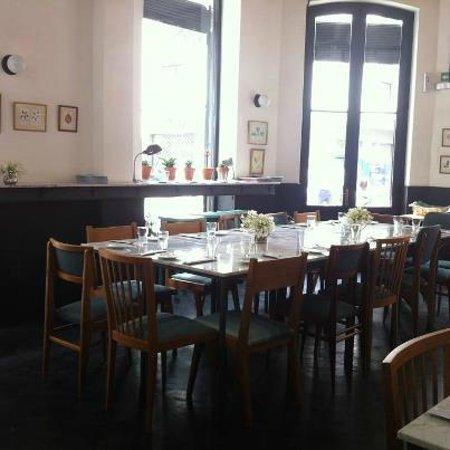 Jacinto cafe & restaurant: el comedor es precioso, sencillo pero elegante y muy limpio