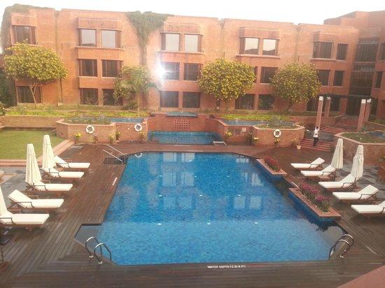 ITC Mughal, Agra: pool