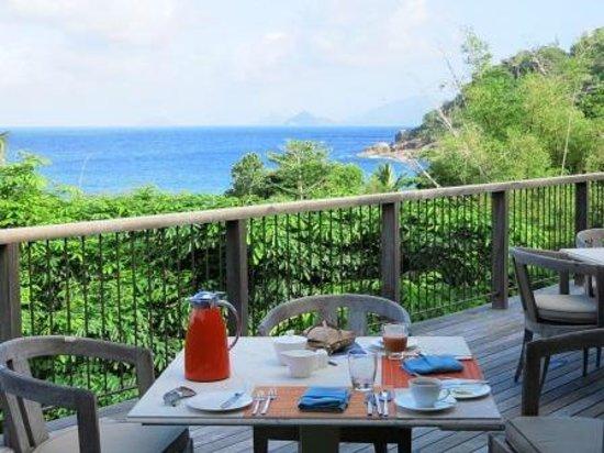 Four Seasons Resort Seychelles: Ausblick von der Frühstücksterrasse
