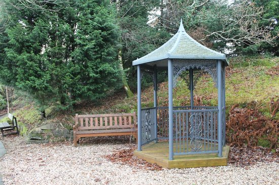 Auchenheglish Lodges: other seating area