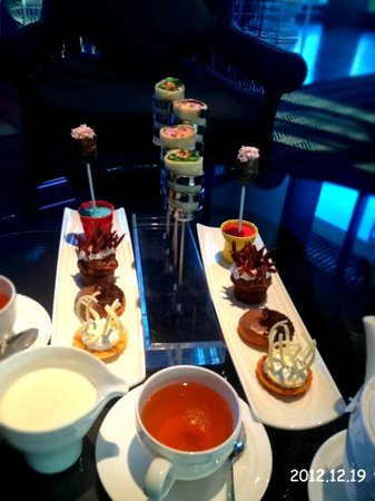 Amari Hua Hin: Interestingly designed afternoon tea set
