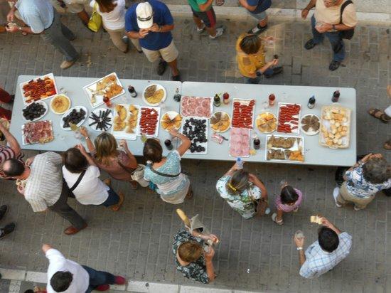 Casa Rural Lur Mendi: almuerzo preparado por Lur Mendi para todos@