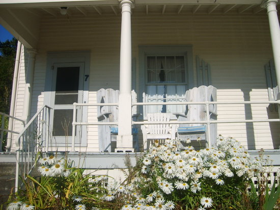 Fort Casey Inn: Porch