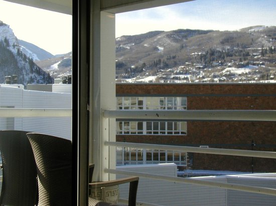 كريستي لودج: View from our sofa on 3rd floor