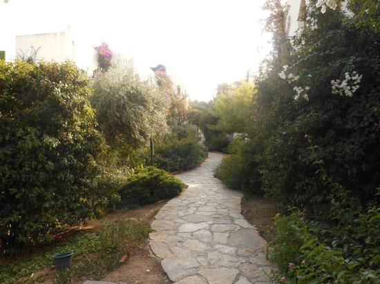 L'Ambiance Resort Bodrum: Paths to rooms