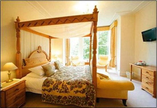 The Cavendish: Four Poster