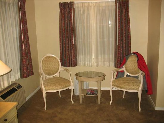 20th Century Motor Lodge: Sitting area
