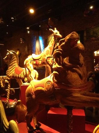 Musee des Arts Forains: Antique carousel