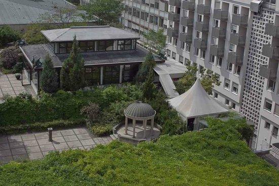 Grand Hyatt Berlin: Vue du restaurant japonais depuis la terrasse...