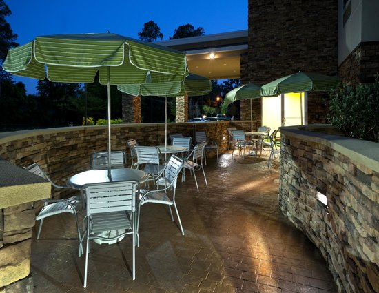 Fairfield Inn & Suites Tallahassee Central: Outdoor Patio