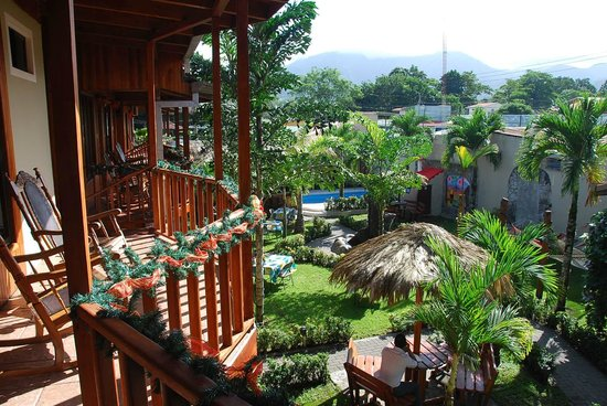 Arenal Hostel Resort: The view from our upstairs room