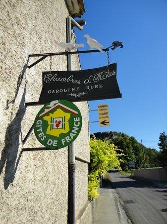 Maison D'Hotes Le Colombier: De straatkant