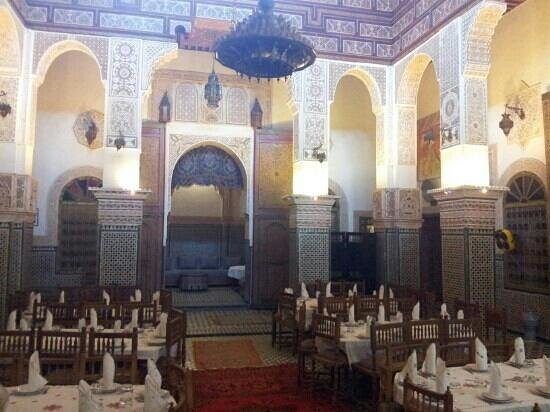 Palais Tariana : There are tables in cosy alcoves too