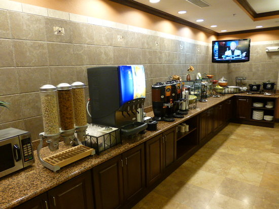 La Quinta Inn & Suites Las Vegas Airport South: Breakfast bar