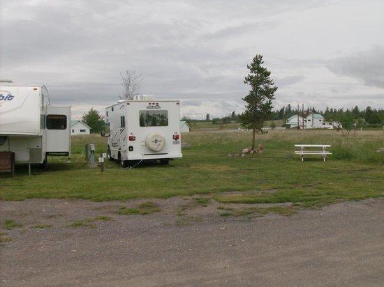 Salmon Lake Resort: rv sites