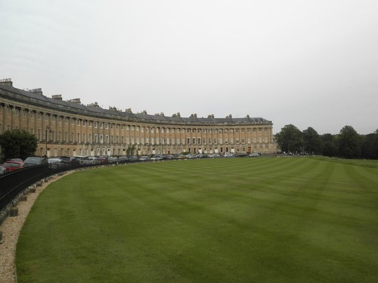 Paradise House: Bath Crescent