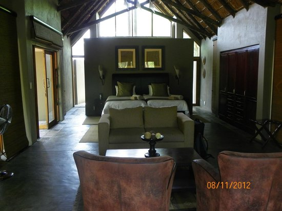 Black Rhino Game Lodge: Inside of room