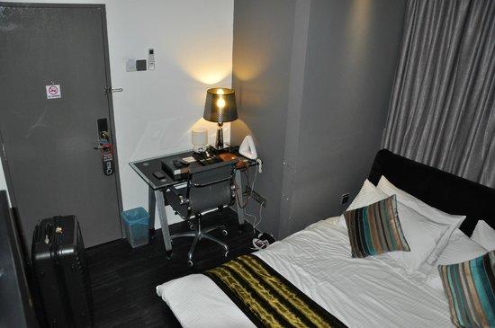 Orion Design Hotel : Room