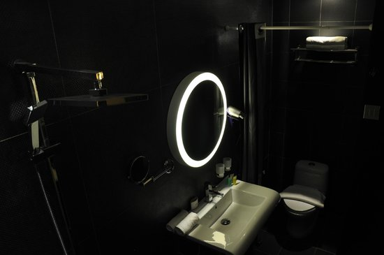 Orion Design Hotel: Bathroom