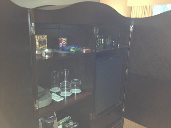 Bristol Panama: The Minibar and Coffee Maker in a Tower Executive King