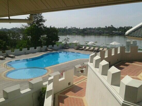Buddy Oriental Riverside Pakkred: river view from balcony.idyllic.