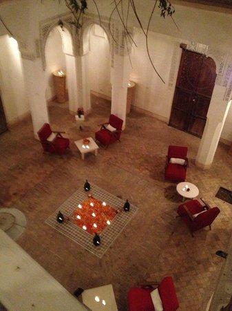 Hotel & Spa Riad Al Jazira: Precioso patio interior, de noche.