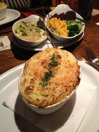 The Oak: The delicious salmon, scallop and haddock pie!