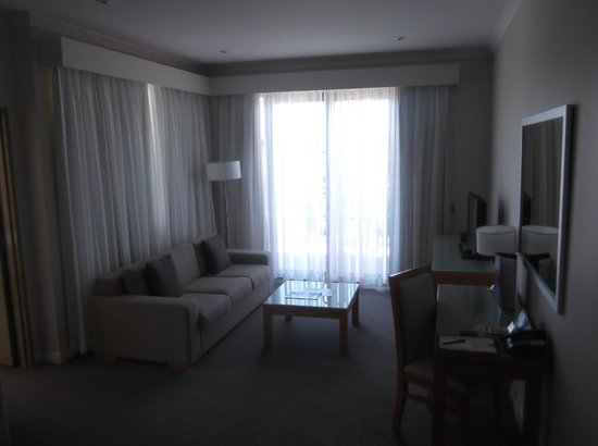 Mercure Kooindah Waters Central Coast: Living area