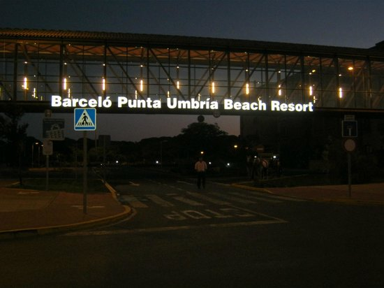 Barcelo Punta Umbria Beach Resort: Hotel entrance