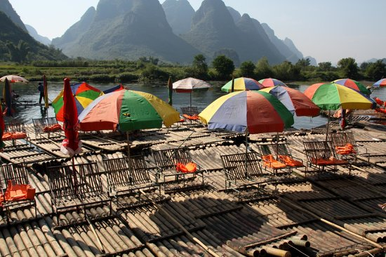 here's the parking lot, upstream @ Yangshuo Bamboo Rafting