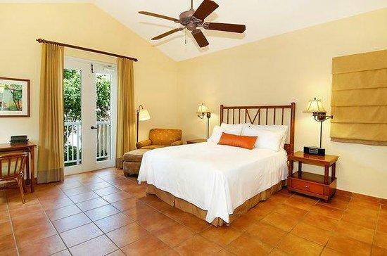 Las Casitas Village, A Waldorf Astoria Resort: Queen Room in three Bedroom Villa