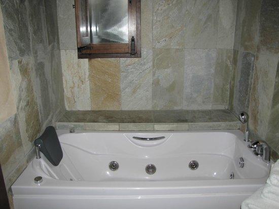 Molinos de Fuenteheridos: Baño