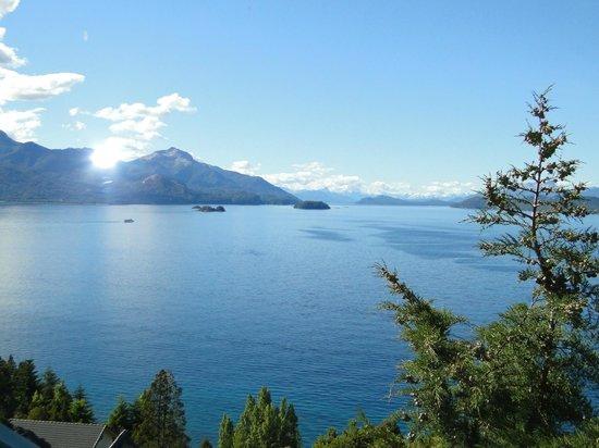 Apart Hotel Cabanas Balcon al Lago: vista desde el ventanal