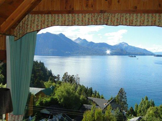 Apart Hotel Cabanas Balcon al Lago: gran ventanal