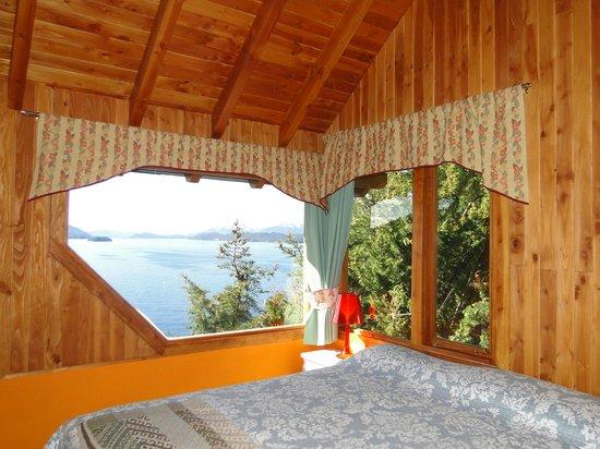Apart Hotel Cabanas Balcon al Lago: habitacion de la cabaña 1