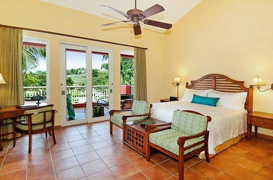 Las Casitas Village, A Waldorf Astoria Resort: Garden Villa's Master Bedroom