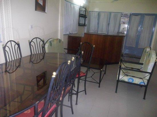 Le Caïlcédrat : Dining room