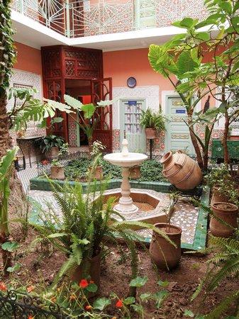 Le Gallia: courtyard