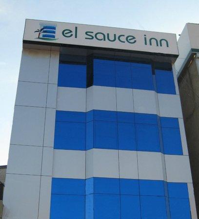 Hotel El Sauce Inn: Exterior
