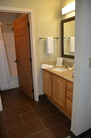 Staybridge Suites - Columbus / Dublin: View of sink area towards bath area from bedroom.