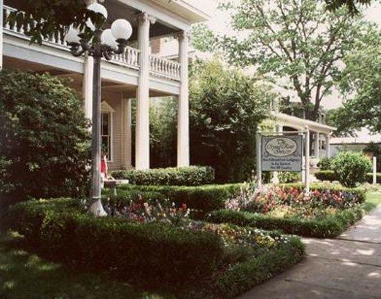 Photo of Crystal River Inn San Marcos