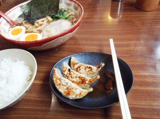 Michi-No-Eki Arai: ラーメン+餃子+半ライス
